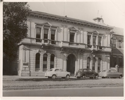 A black and white photo of the outside of CSIR's former building at 314 Albert Street, East Melbourne.
