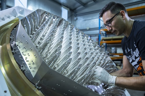 Scientist puting together a new phased array.  - CSIRO LatestPAF 1 KSchwerdtfeger - Space startup Quasar takes off with CSIRO tech