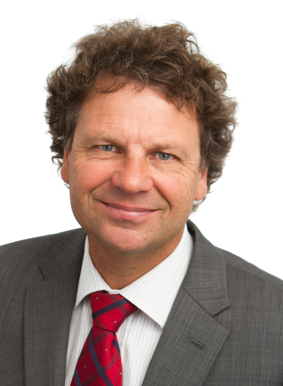 Portrait image of Simon McKeon AO.