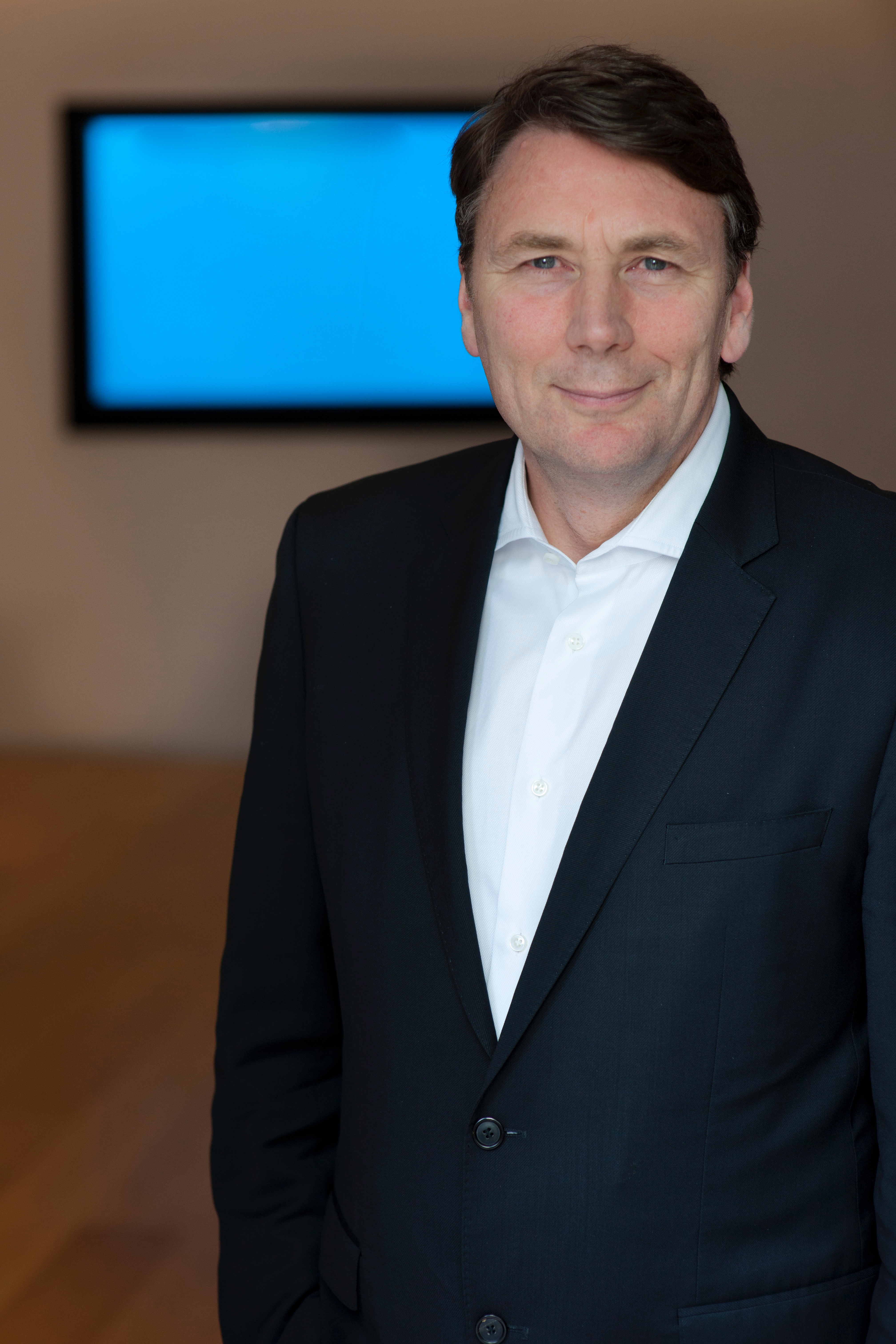 Portrait image of Mr David Thodey.