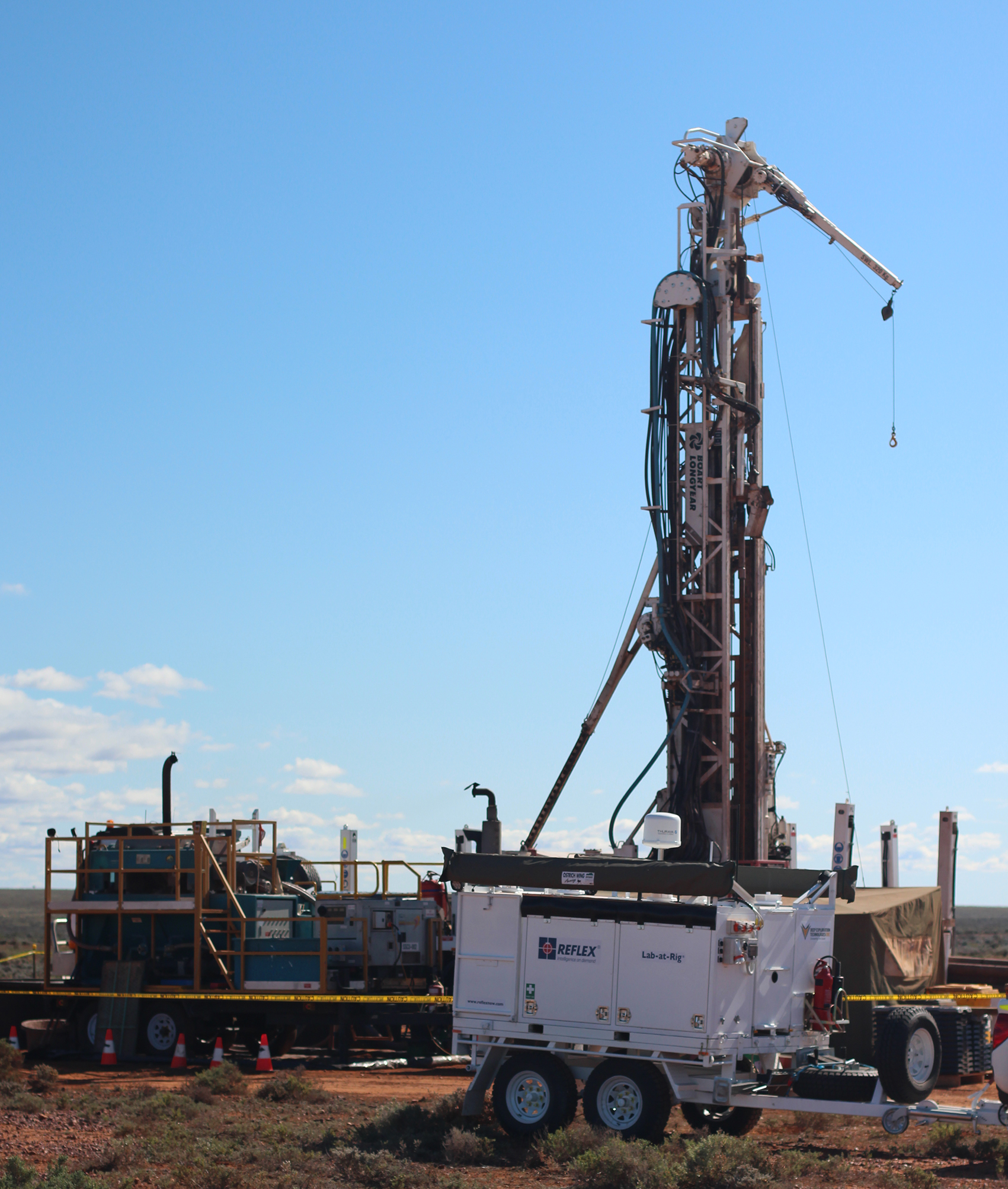 An on-site transportable Lab-at-Rig© set up at a drilling rig.