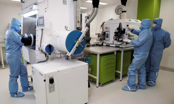 Technicians working in the Biomedical Materials Translational Facility