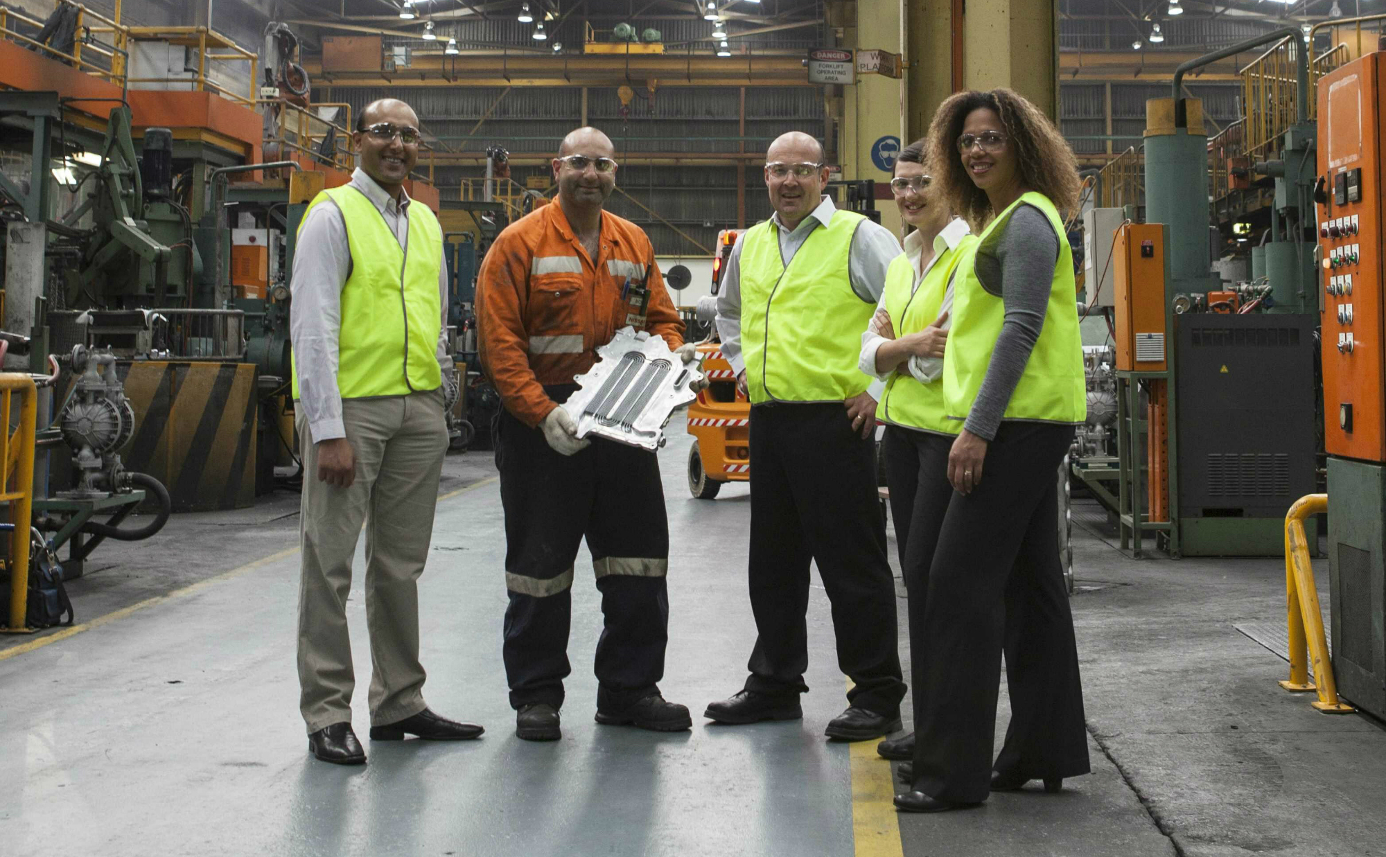 CASTvac crew: Nissan and CSIRO worked together to bring down costs and secure jobs beyond 2020.