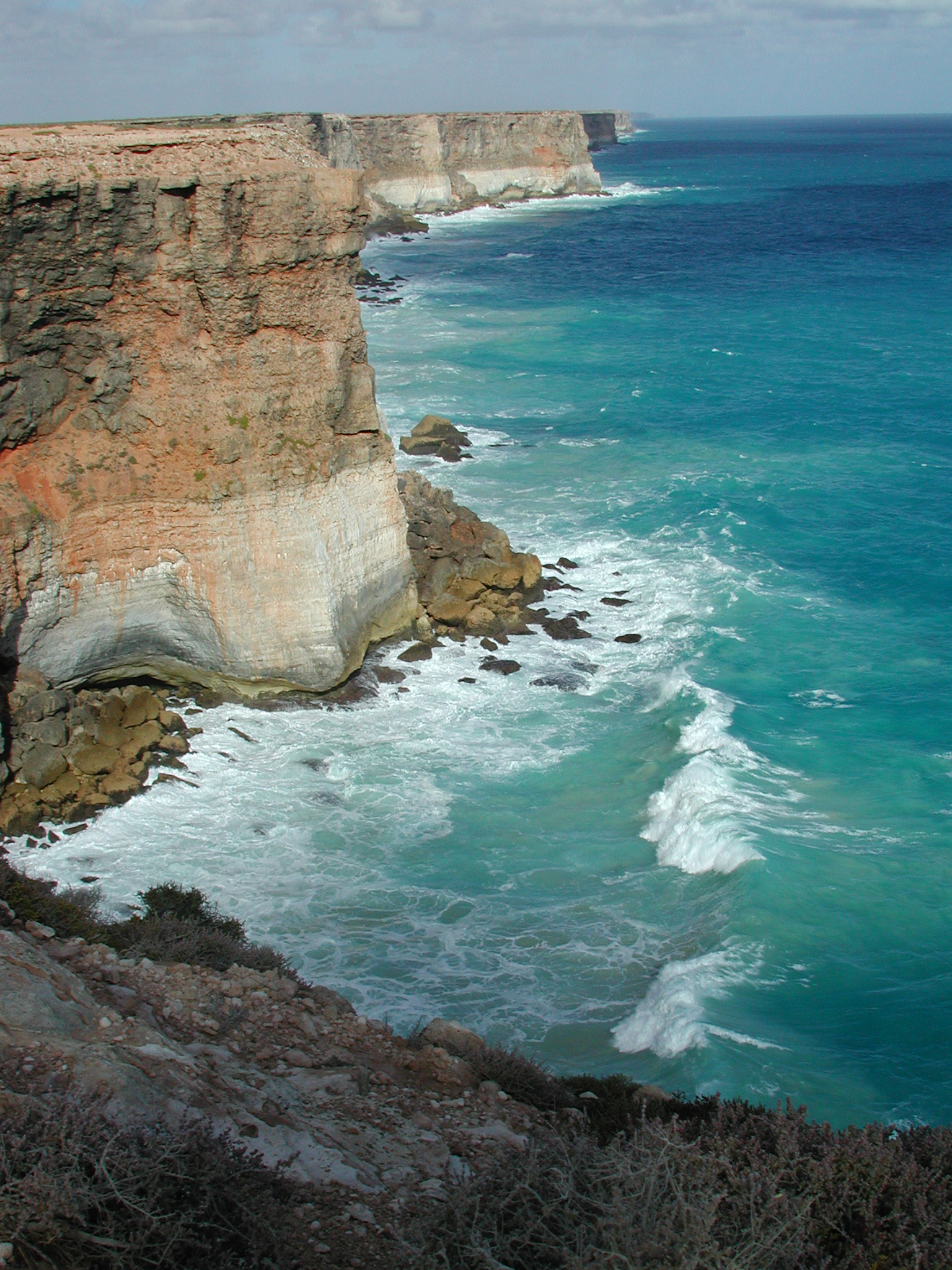 Rugged Great Australian Bight coastline