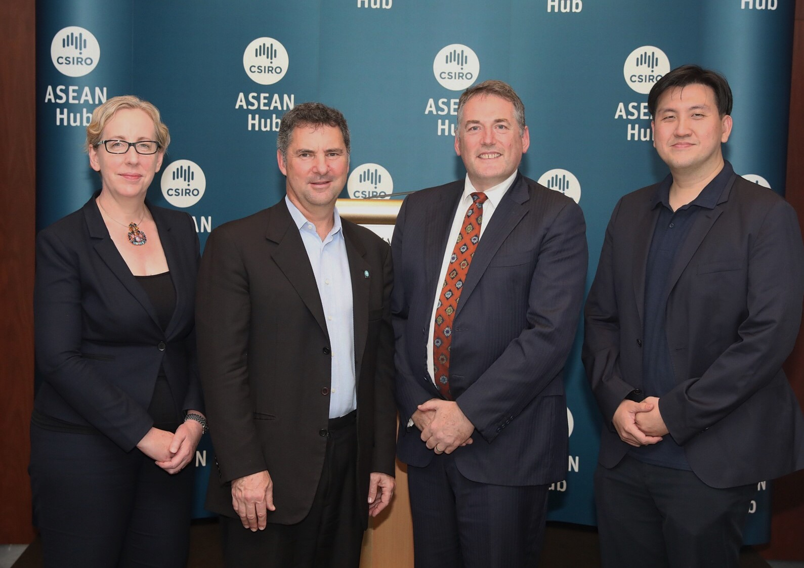 Deputy High Commissioner, Kate Duff CSIRO CE Dr Larry Marshall Executive Director NTU Health Technologies, Prof Russell Gruen, Deputy Chief Executive Officer, National