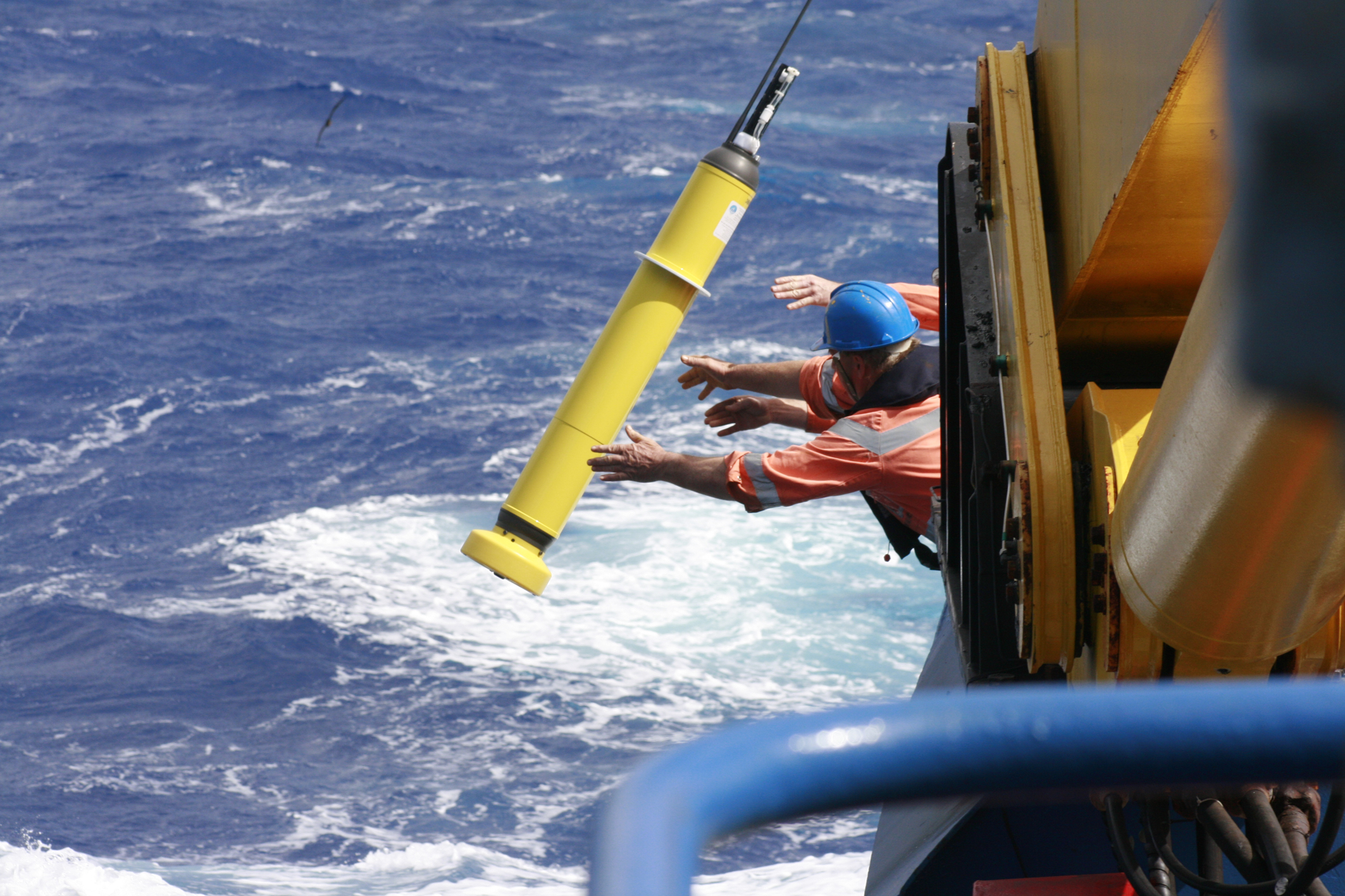 Researchers launching an Argo robotic float from Southern Surveyor